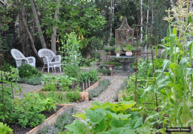 работы в саду в июле